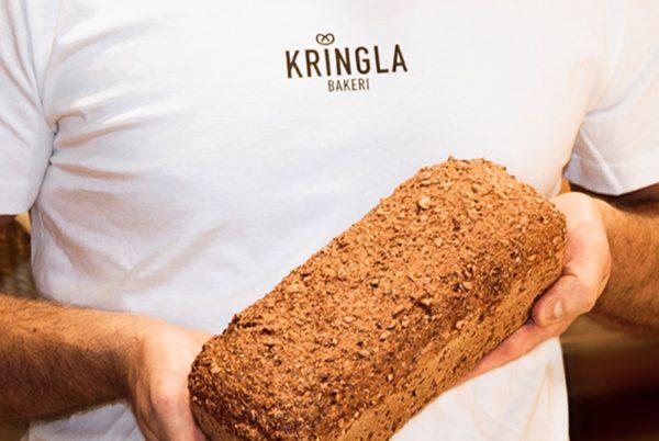Nybakte brød